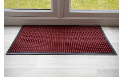 throw-down-heavy-duty-matting-hard-wearing-colour-red-standard-sizing-115-cm-x-175cm
