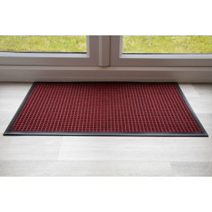 throw-down-heavy-duty-matting-hard-wearing-colour-red-standard-sizing-120-cm-x-85cm